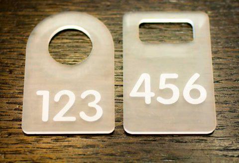 Номерок для гардероба прозрачный матовый