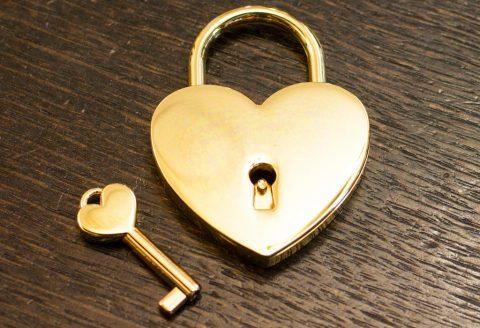 Свадебный замок сердце золото
